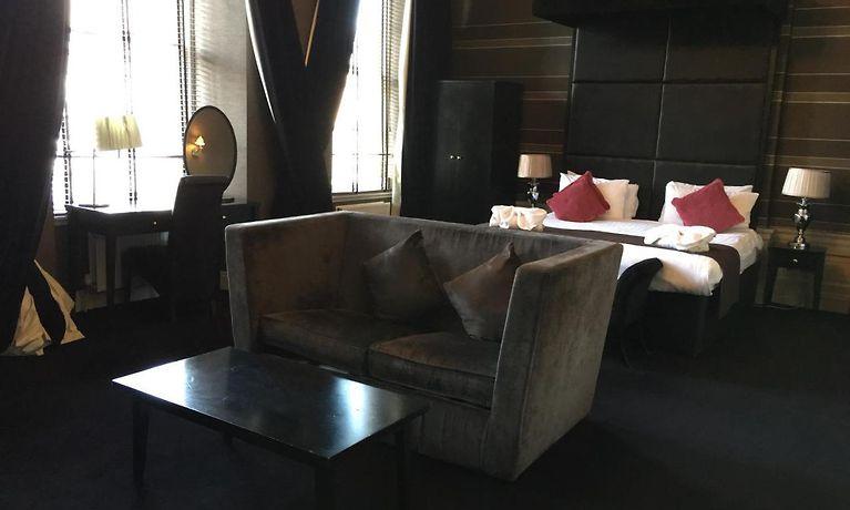 Phenomenal Albany Ballantrae Hotel Edinburgh Andrewgaddart Wooden Chair Designs For Living Room Andrewgaddartcom